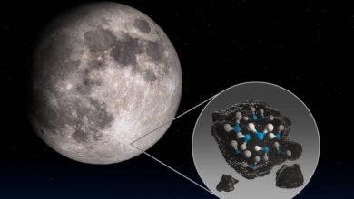 Фото НАСА обнаружило следы воды на видимой стороне Луны