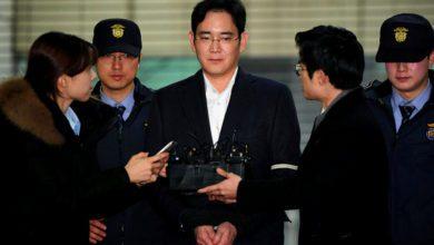 Фото Глава Samsung получил 2,5 года за взятку